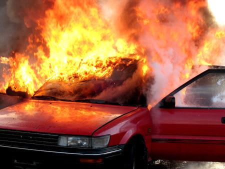 Bild på bilbrand