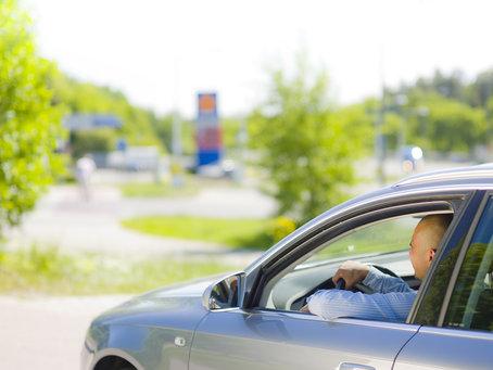 Bild: Svenskarnas bilkörning minskade med 2 procent